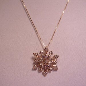 """Jewelry - Sterling Silver Snowflake Pendant Necklace 18"""" L"""